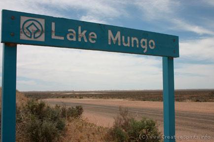 Sign: Lake Mungo